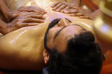 abhayagam-oil-massage